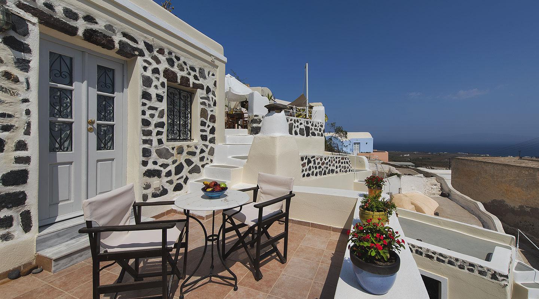 Hotel for sale in Santorini